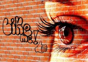 Like Me with eye Pixabay.com